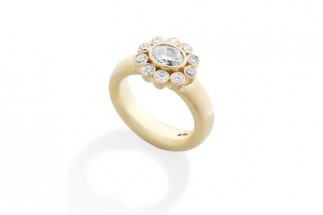 Alexandria Ring gold with diamonds